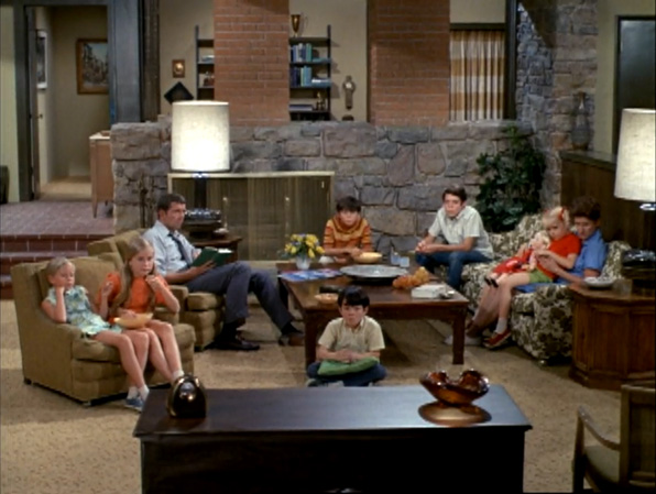 Super The 15 Most Iconic Couches In Tv History Recommended Theyellowbook Wood Chair Design Ideas Theyellowbookinfo