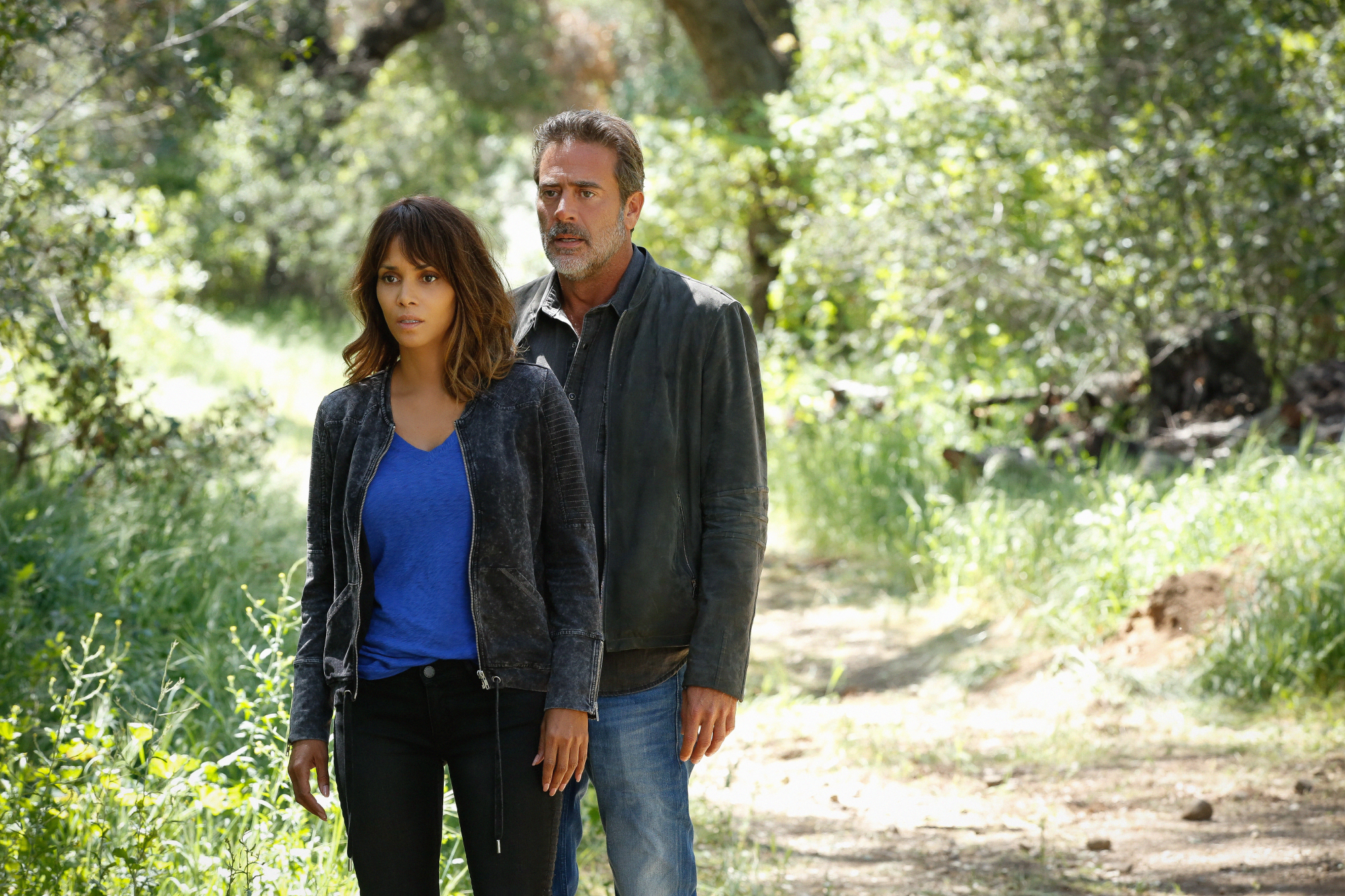 Halle Berry as Molly Woods and Jeffrey Dean Morgan as JD Richter.