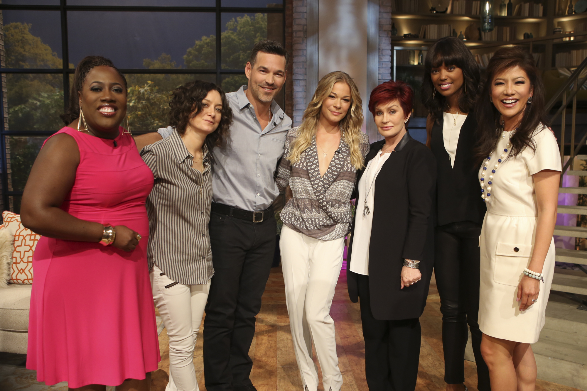 LeAnn Rimes and Eddie Cibrian with the ladies of The Talk