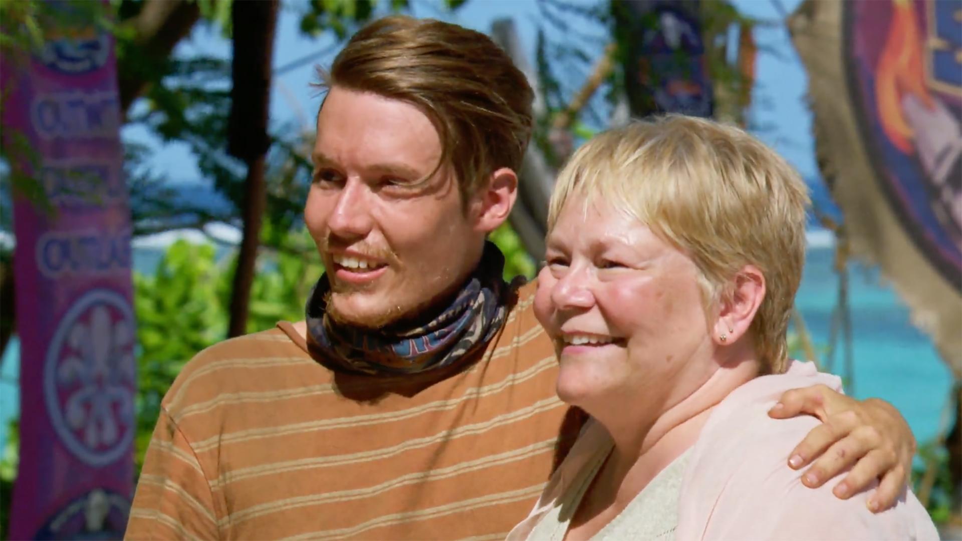 Season 36: Donathan Hurley reunites with his loving aunt.