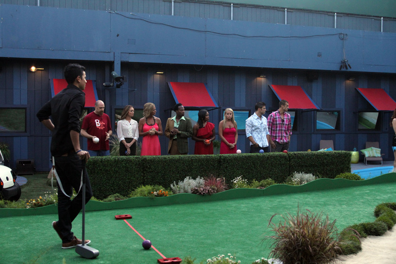 HouseGuests During HoH Competition