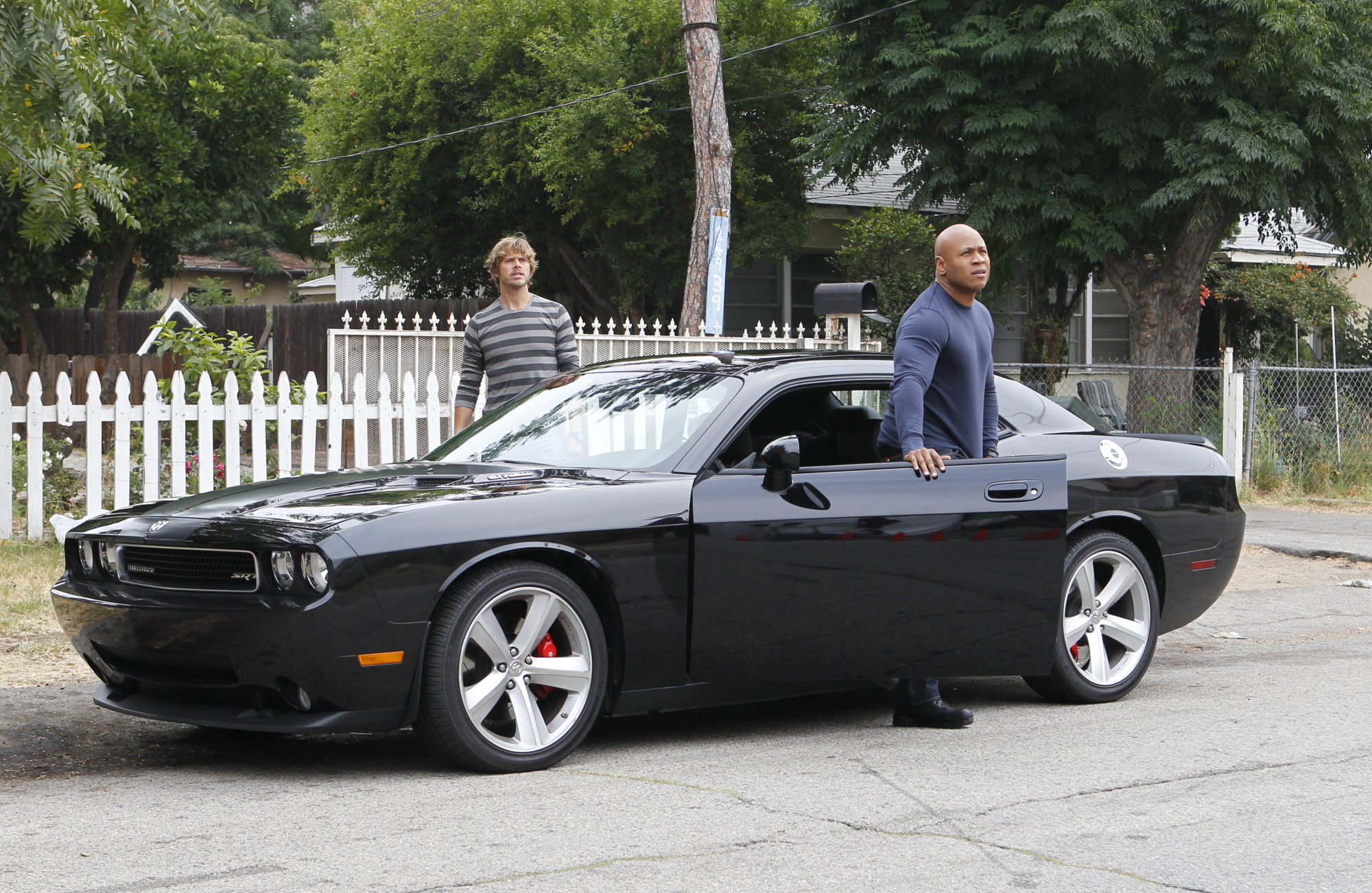 Sam and Deeks, Unlikely Partners, Arrive on Scene