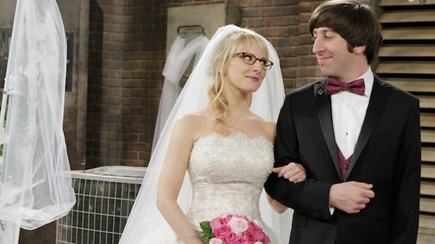 The Big Bang Theory: The whole gang comes together to make a last minute rooftop wedding happen for Howard and Bernadette.