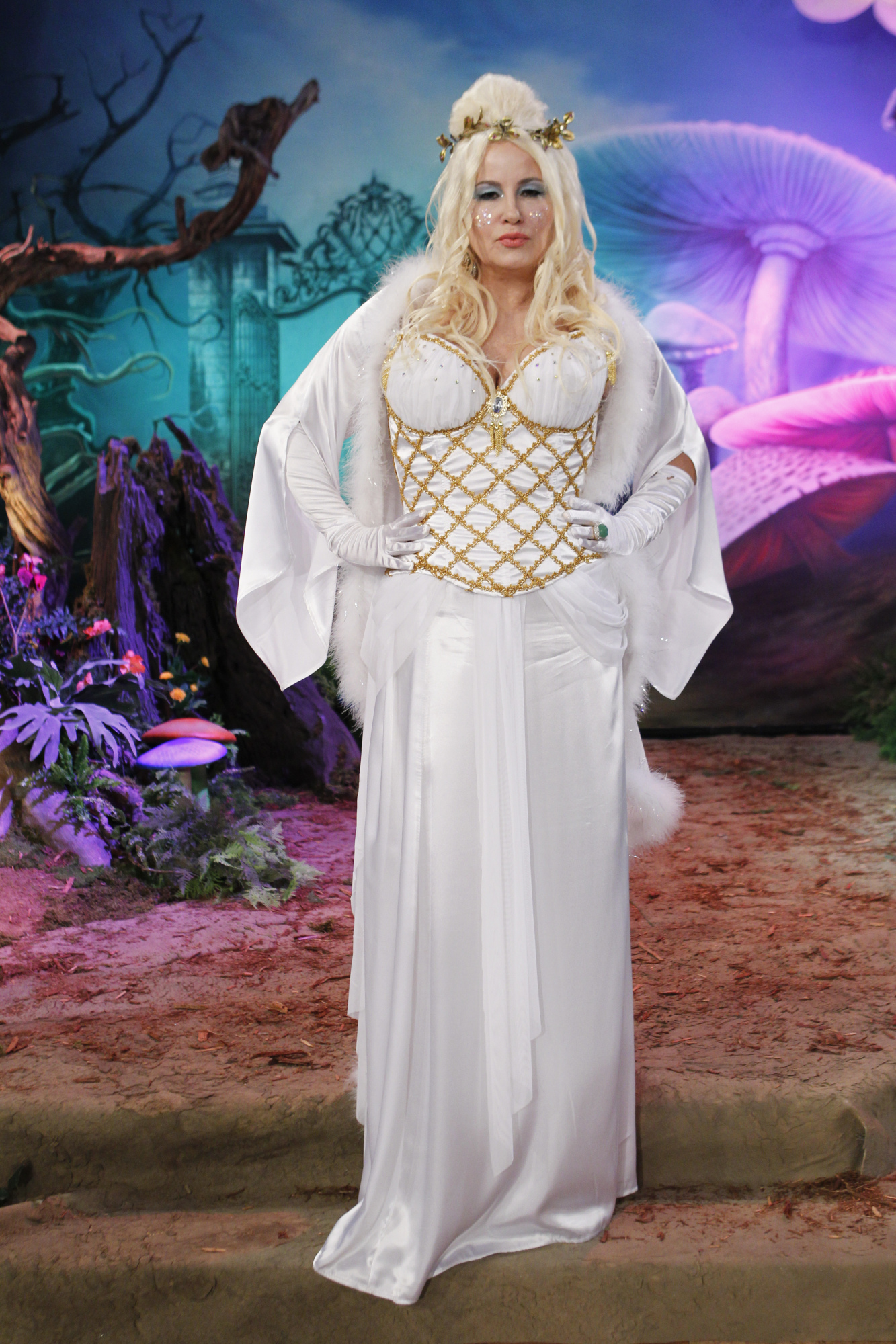 Jennifer Coolidge White Queen