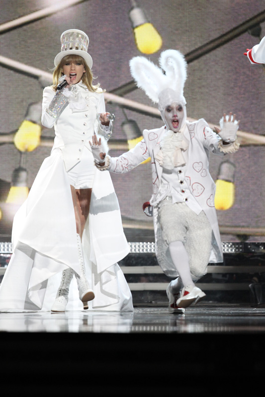 Taylor Swift and… a bunny?