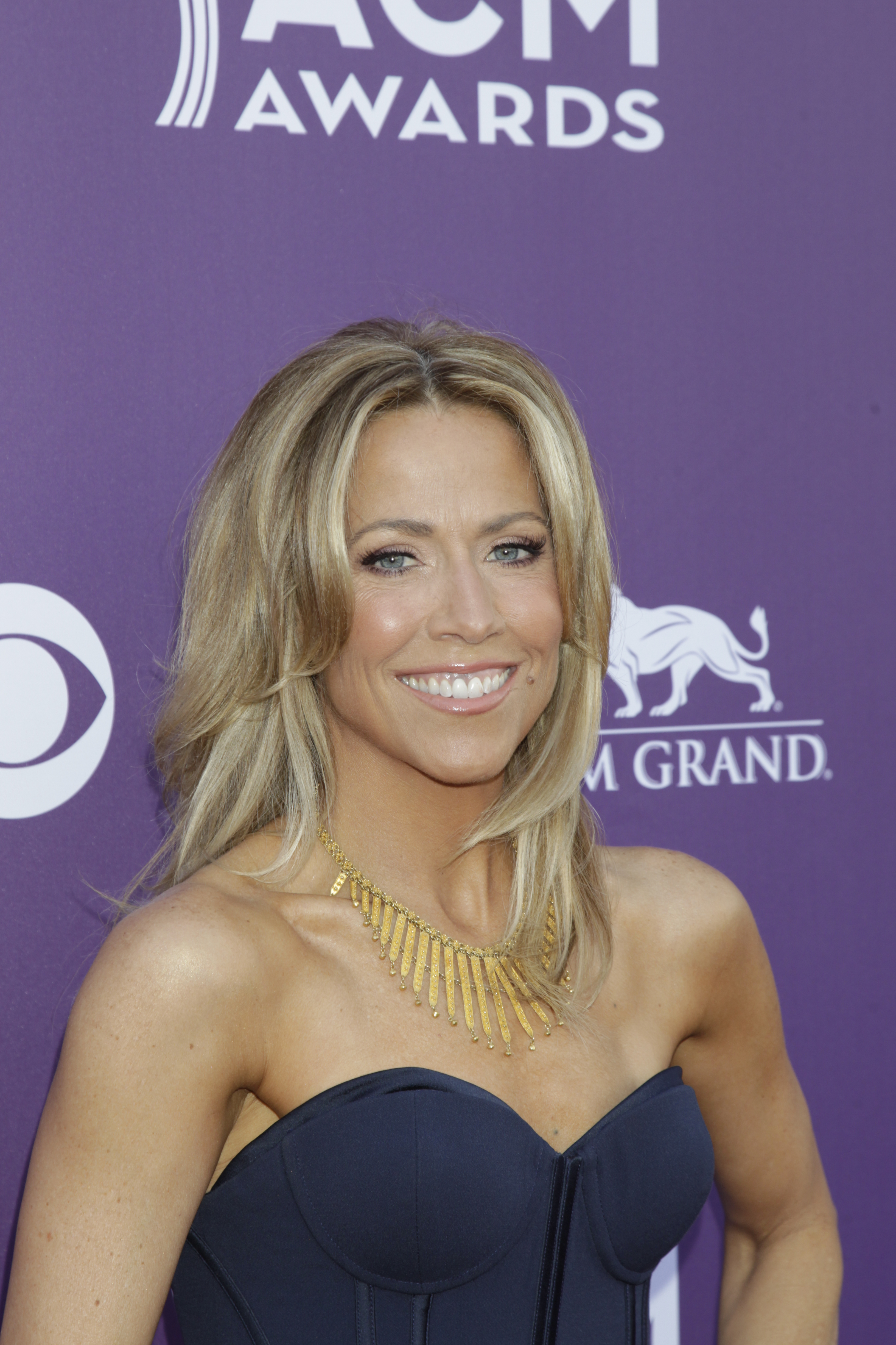 Sheryl Crow on the Red Carpet - 48th ACM Awards