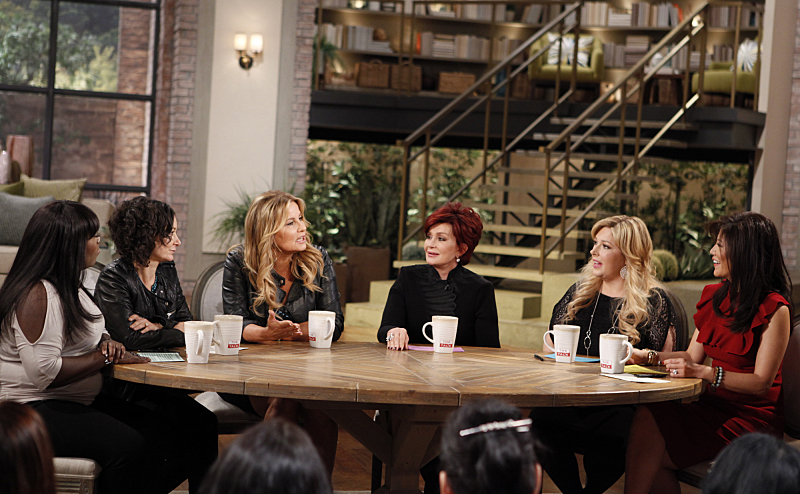 Jennifer Coolidge sits down with the ladies