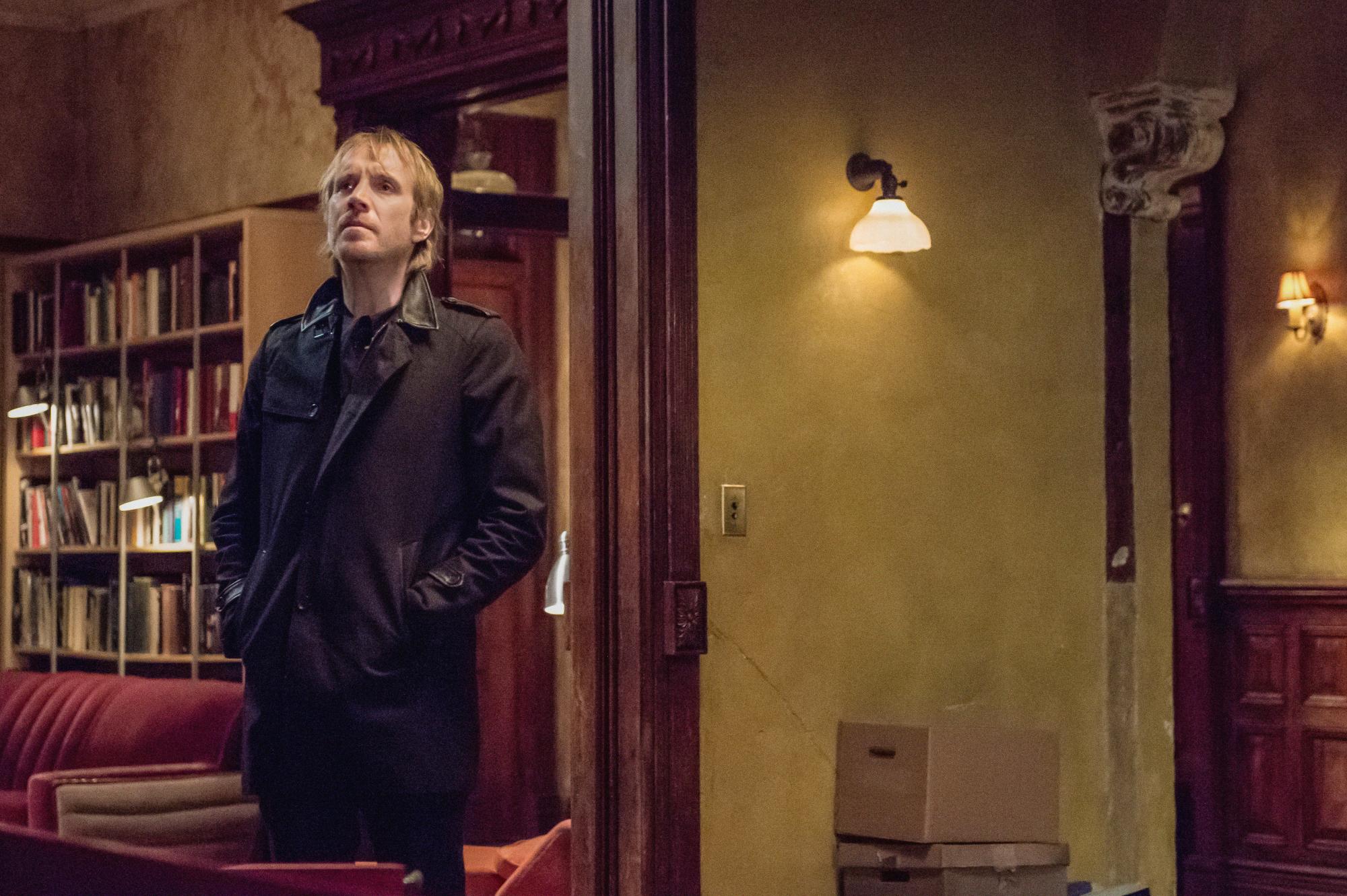 Mycroft partners with Sherlock in