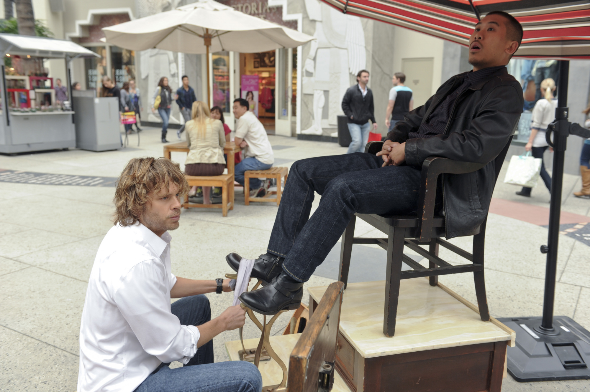 Deeks Shining Shoes?? in