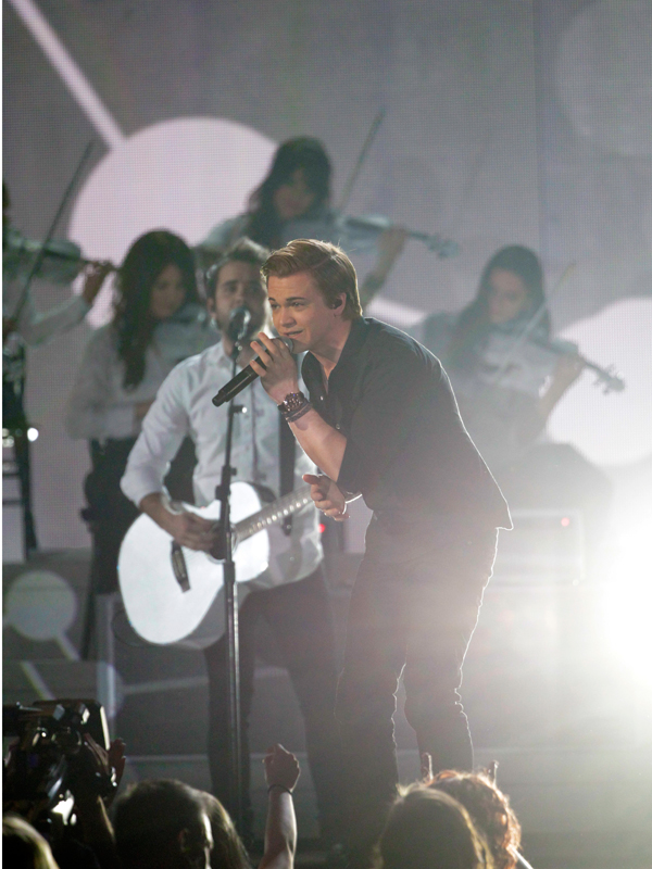 Hunter Hayes Performs - 49th ACM Awards