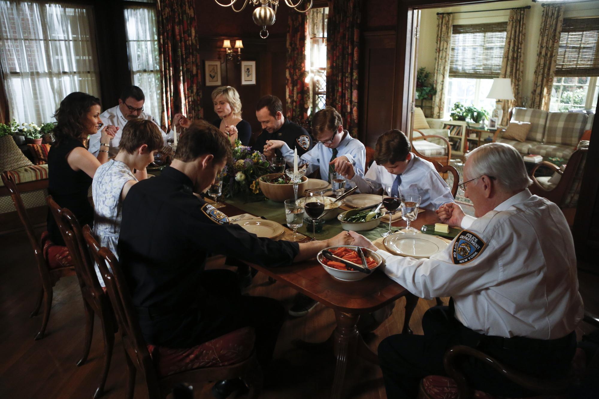 Finale Family Dinner S4 E22