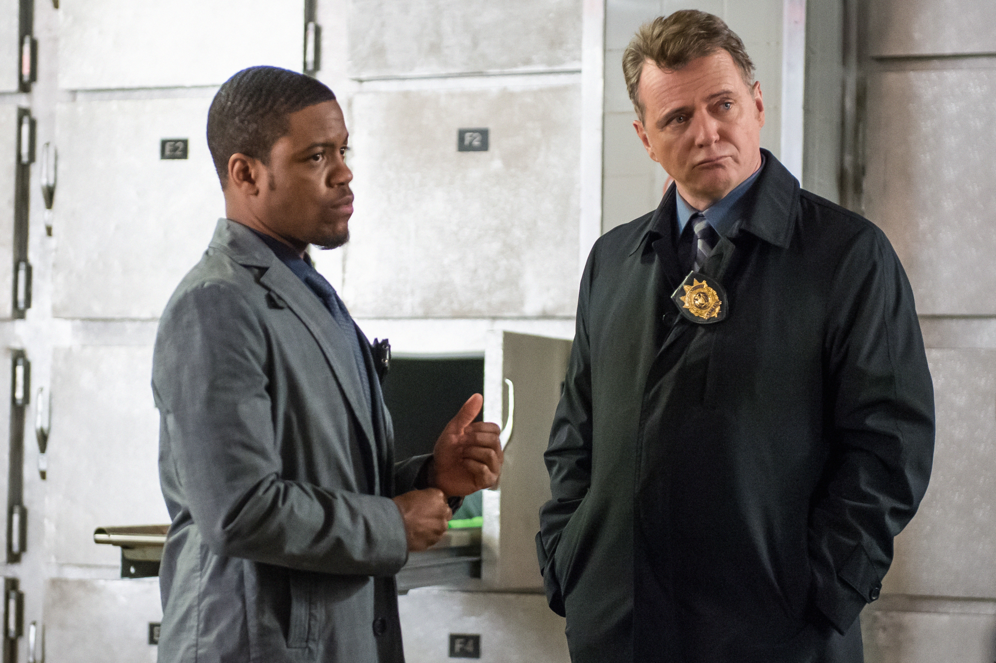 Detective Bell and Captain Gregson in