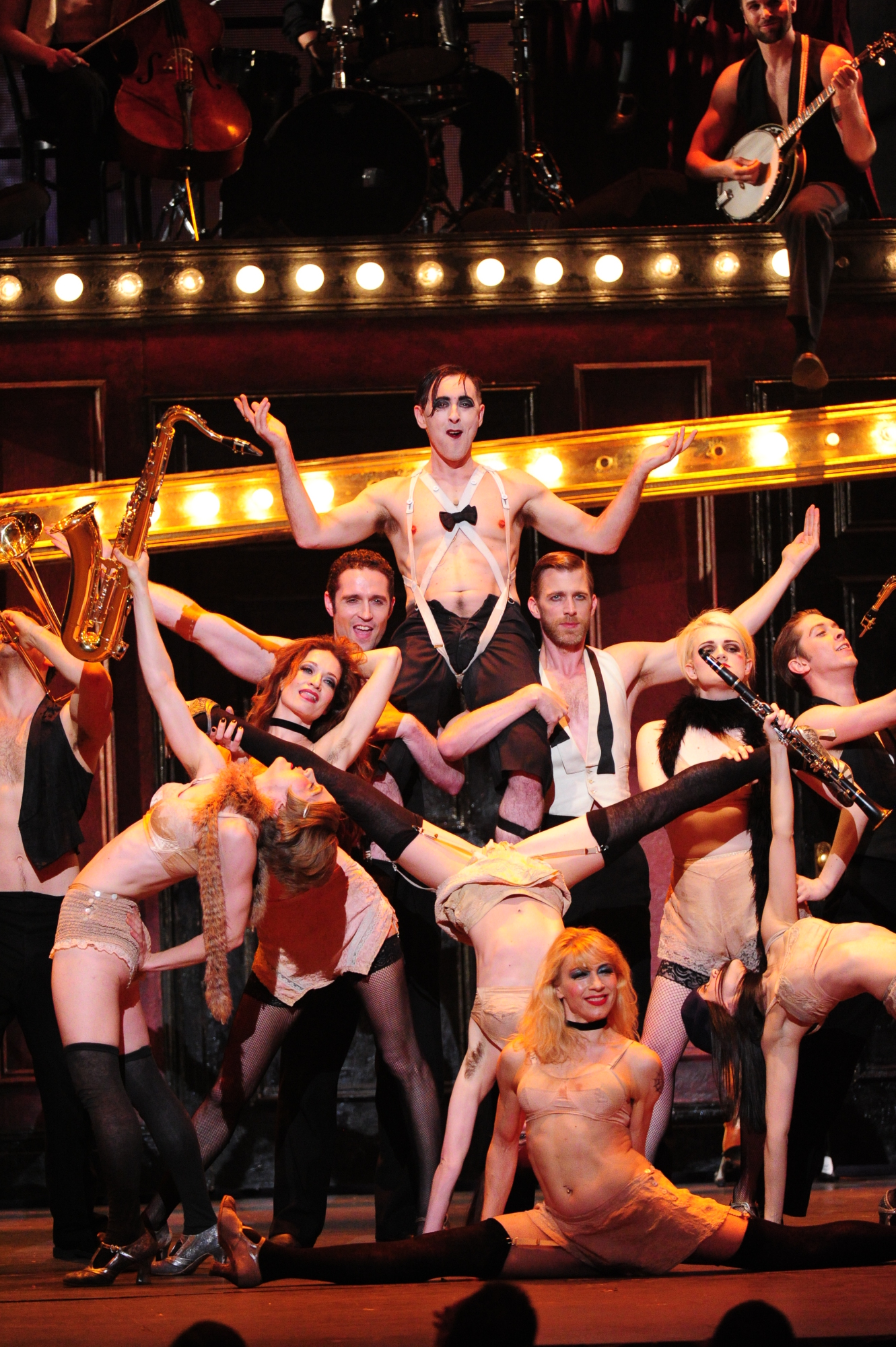 3. Cabaret Performance - Tony's Unforgettable Moments
