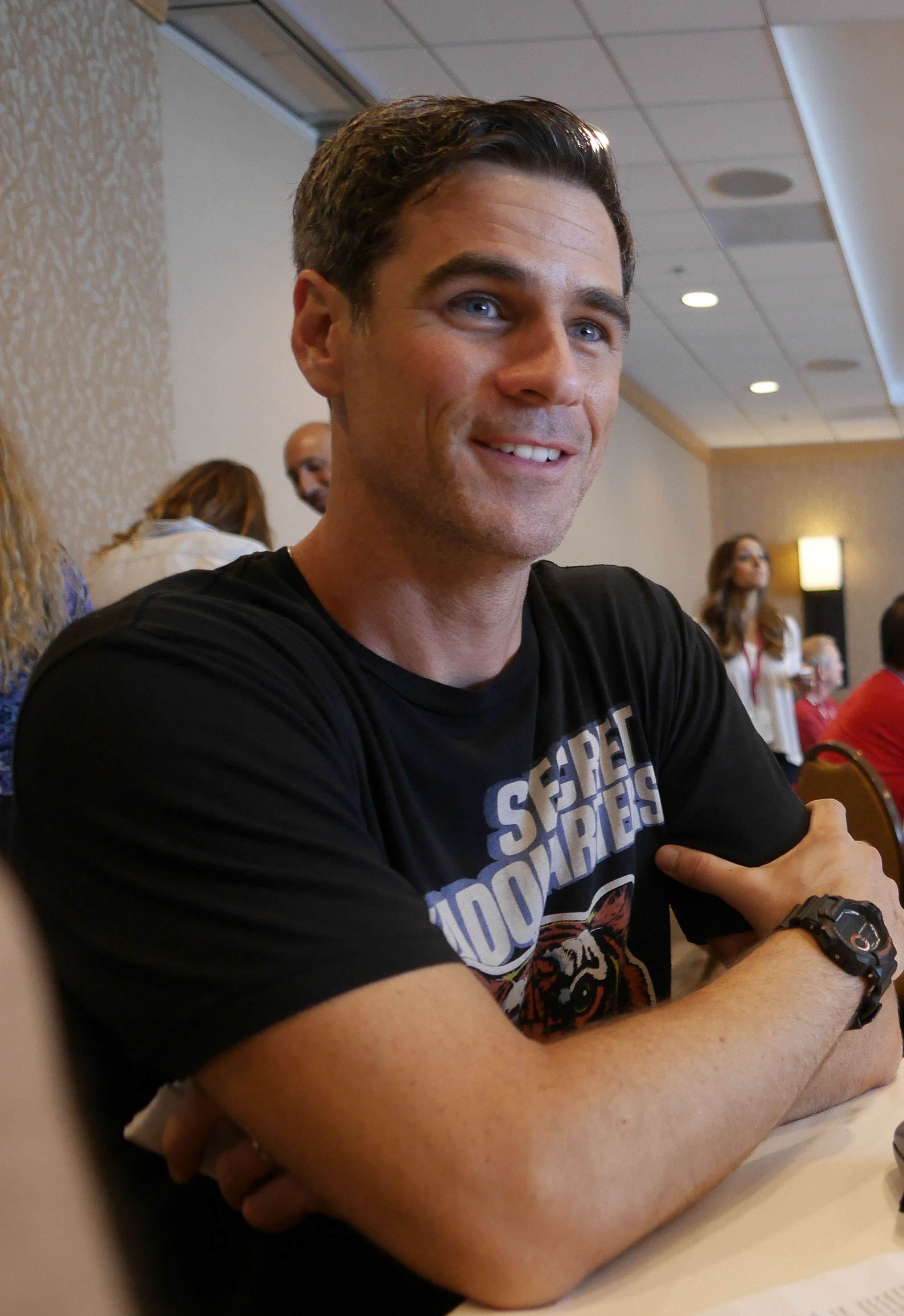 Eddie Cahill Sits Down to Chat About Under the Dome