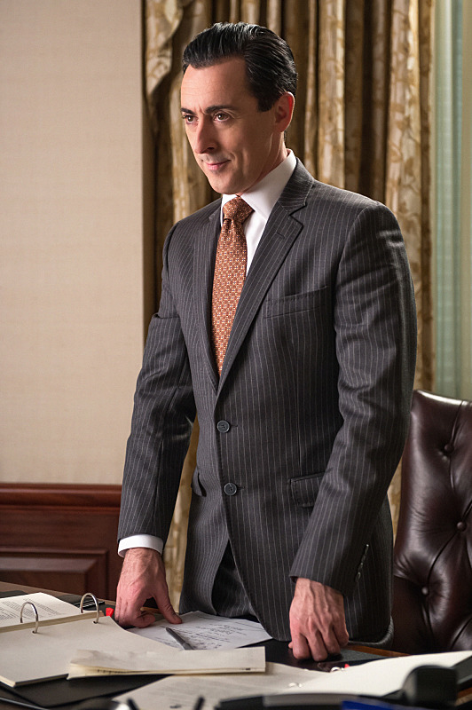 Will Eli continue his pursuit to have Alicia run for State's Attorney? - S6E2