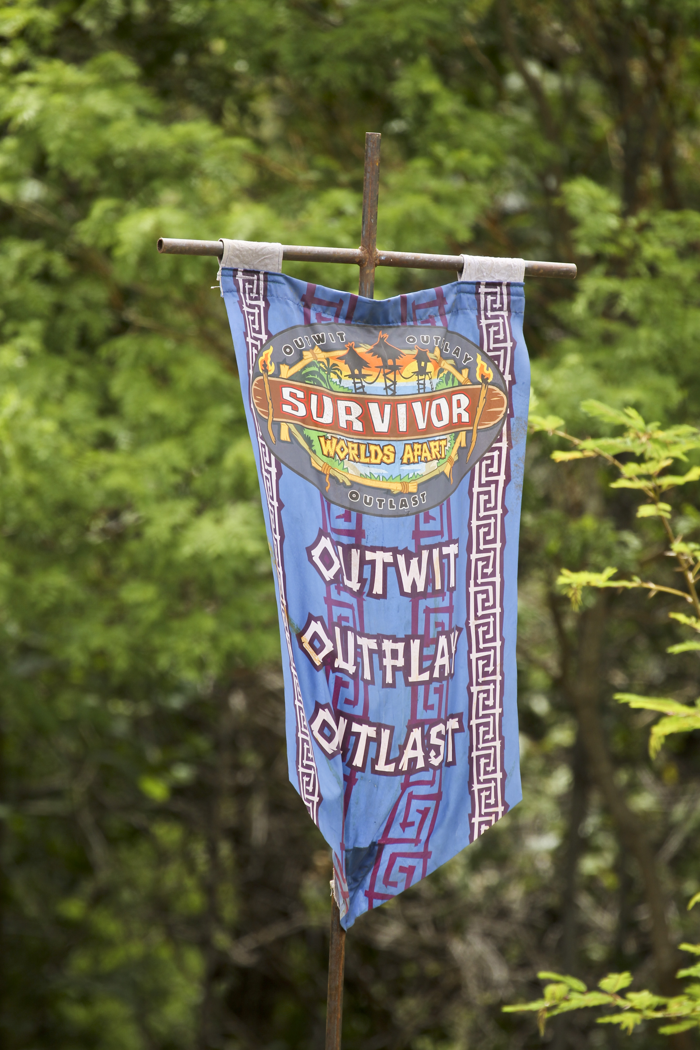 Survivor: Worlds Apart Flag