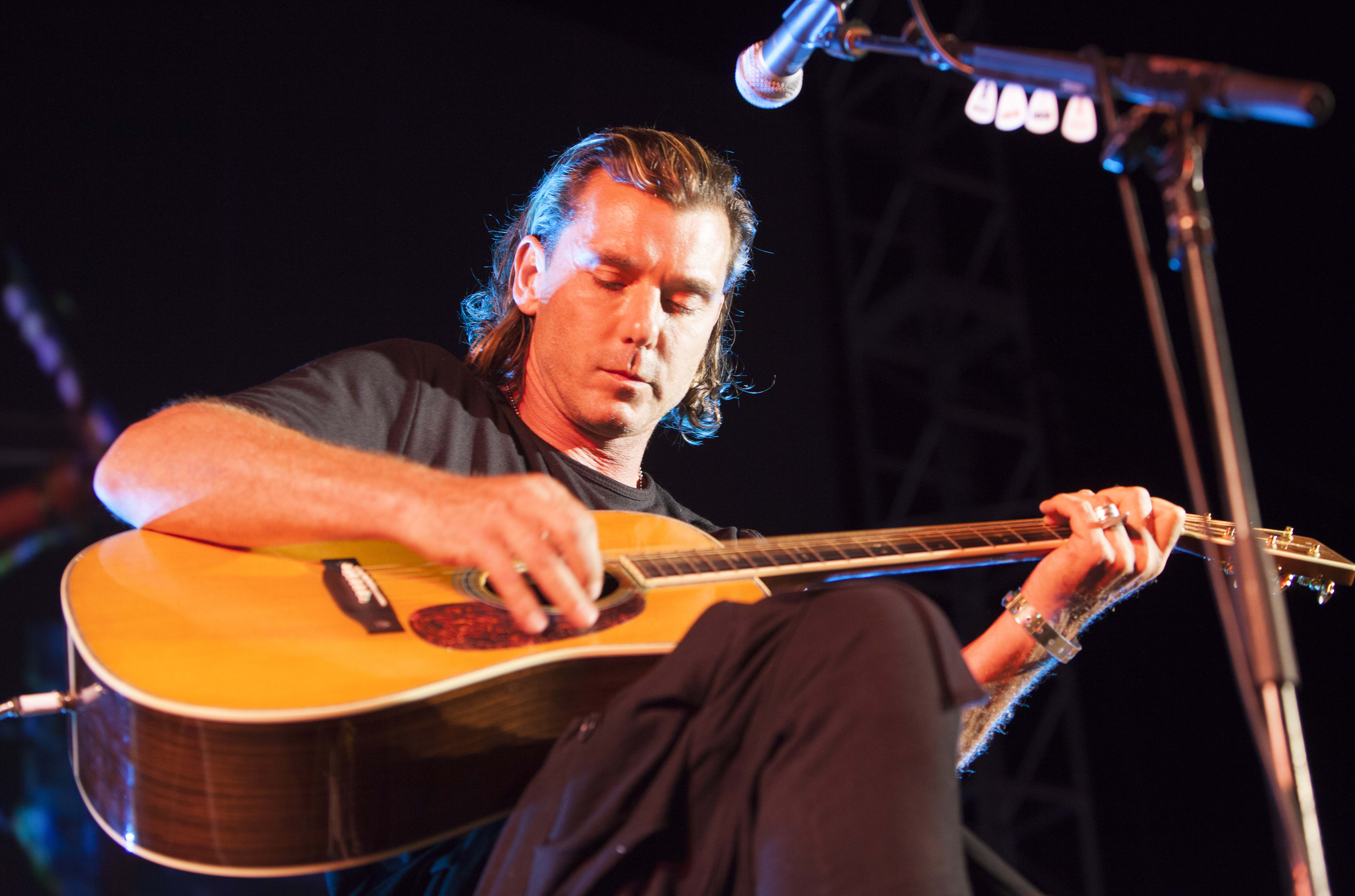 Gavin Rossdale Performing at the Season 5 Sunset on the Beach Premiere