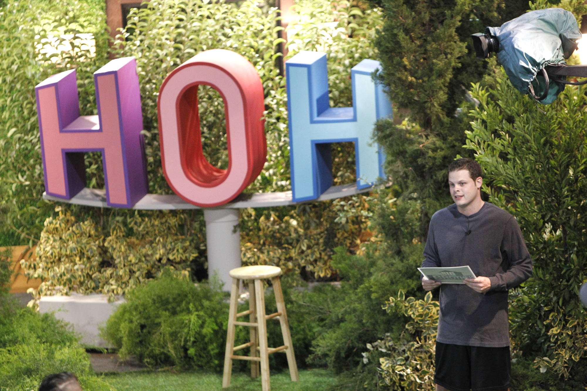 Derrick explains the first part of the final HoH competition
