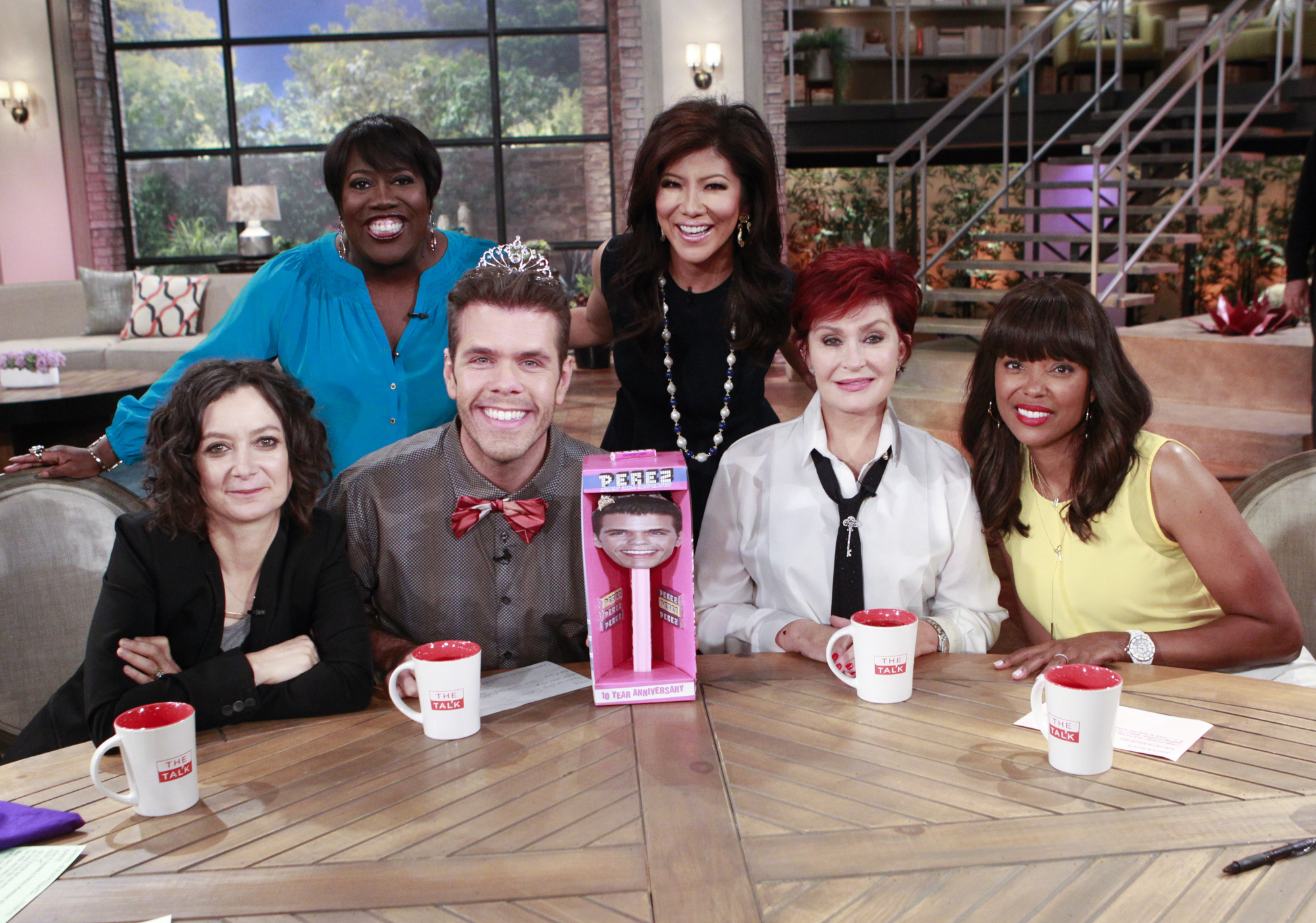 4. The ladies dishing with celebrity blogger Perez Hilton.