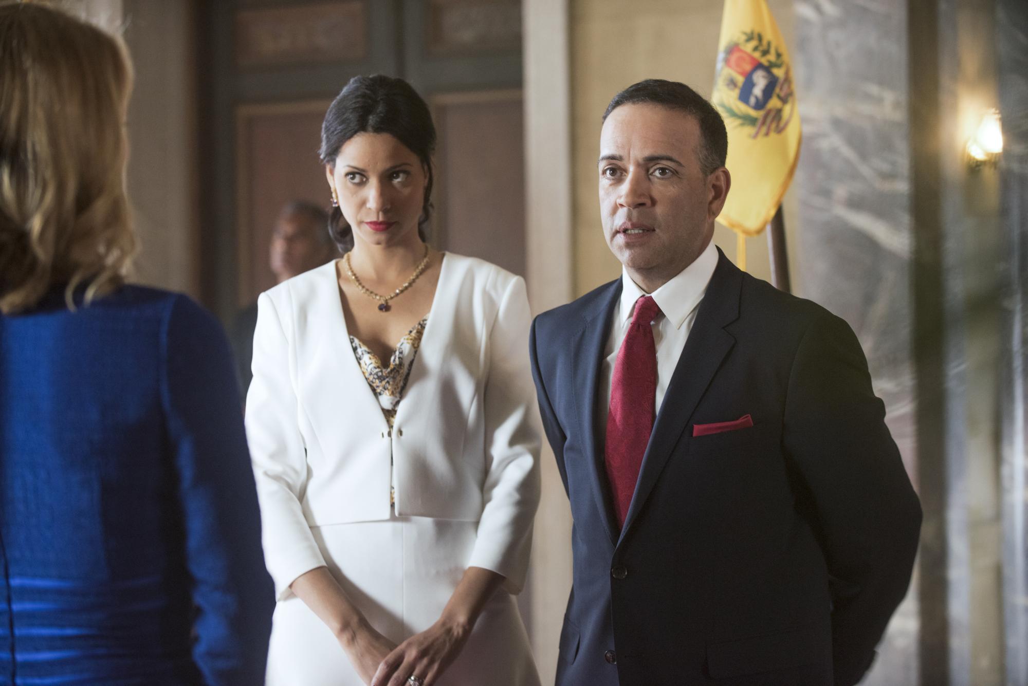 Luis Antonio Ramos as Venzuelan President Francisco Suarez - S1E11