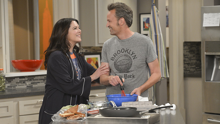 5. Matthew is great friends with actress and co-star Lauren Graham in real life.