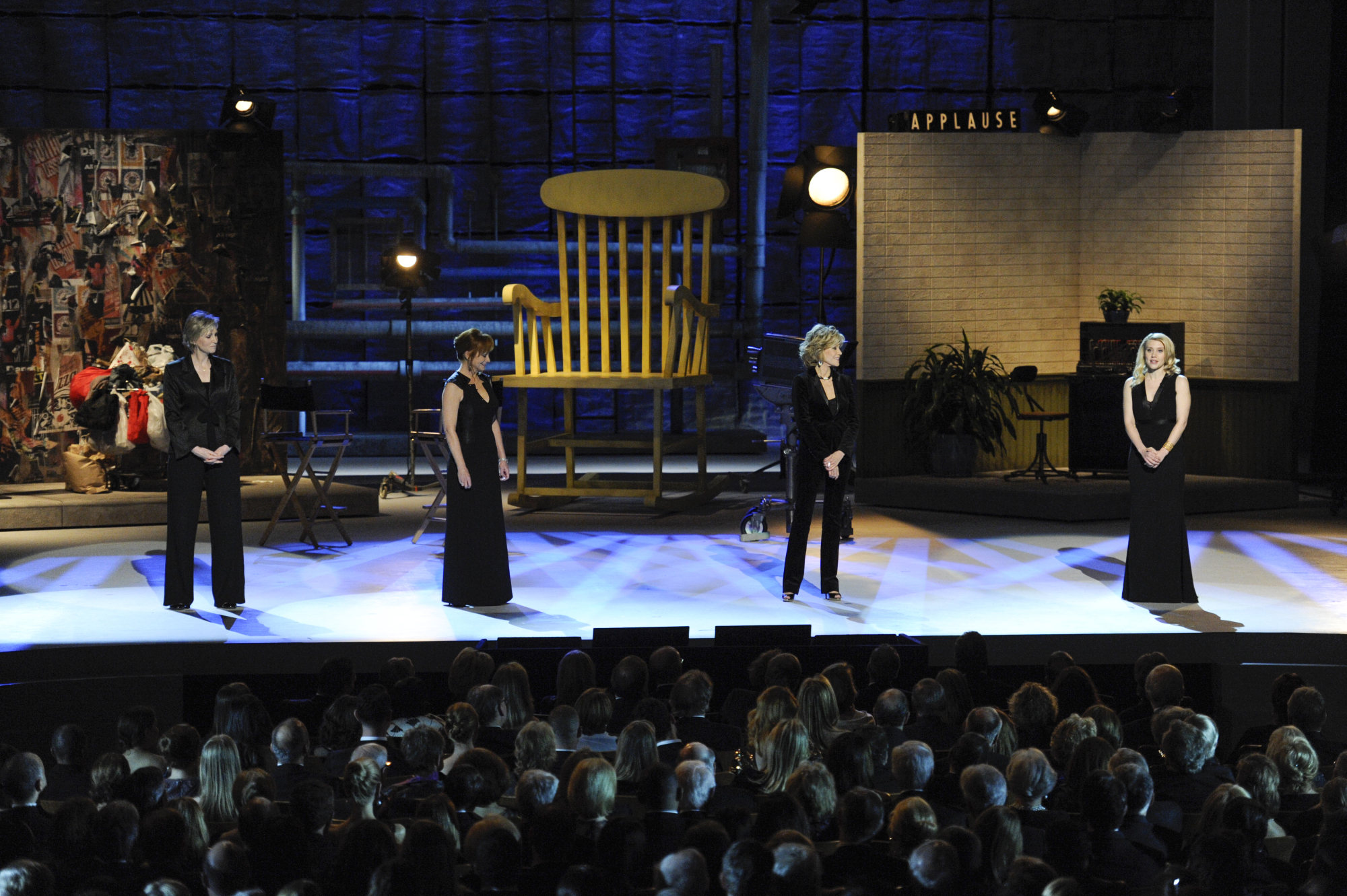 Jane Lynch, Reba McEntire, Jane Fonda, and Kate McKinnon Share the Stage
