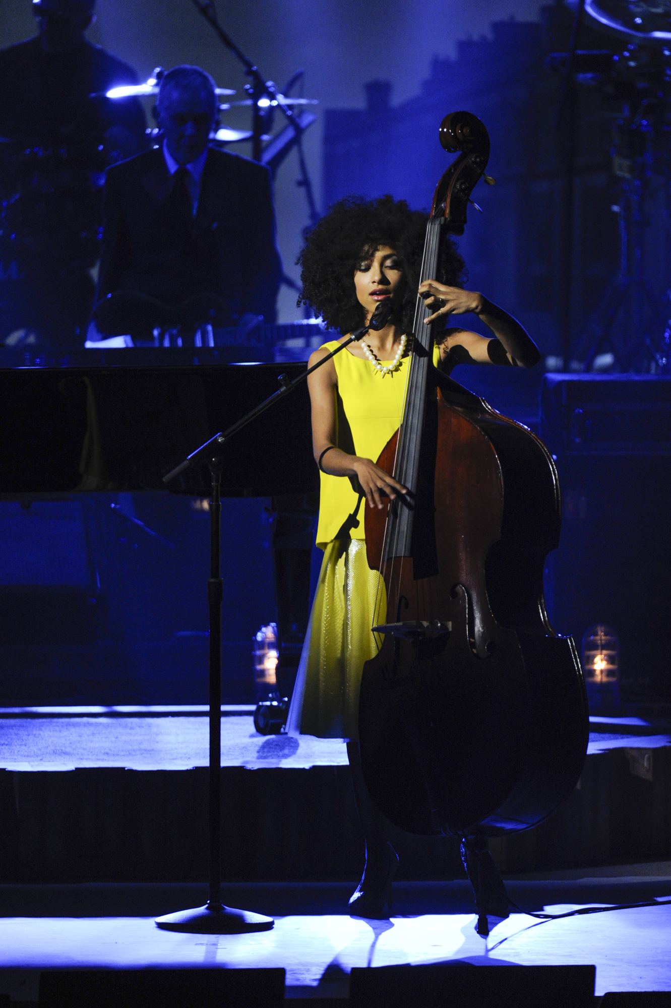 Esperanza Spalding Sings and Plays Bass