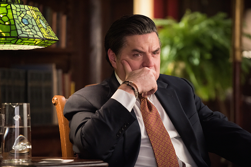Oliver Platt Returns as R.D.