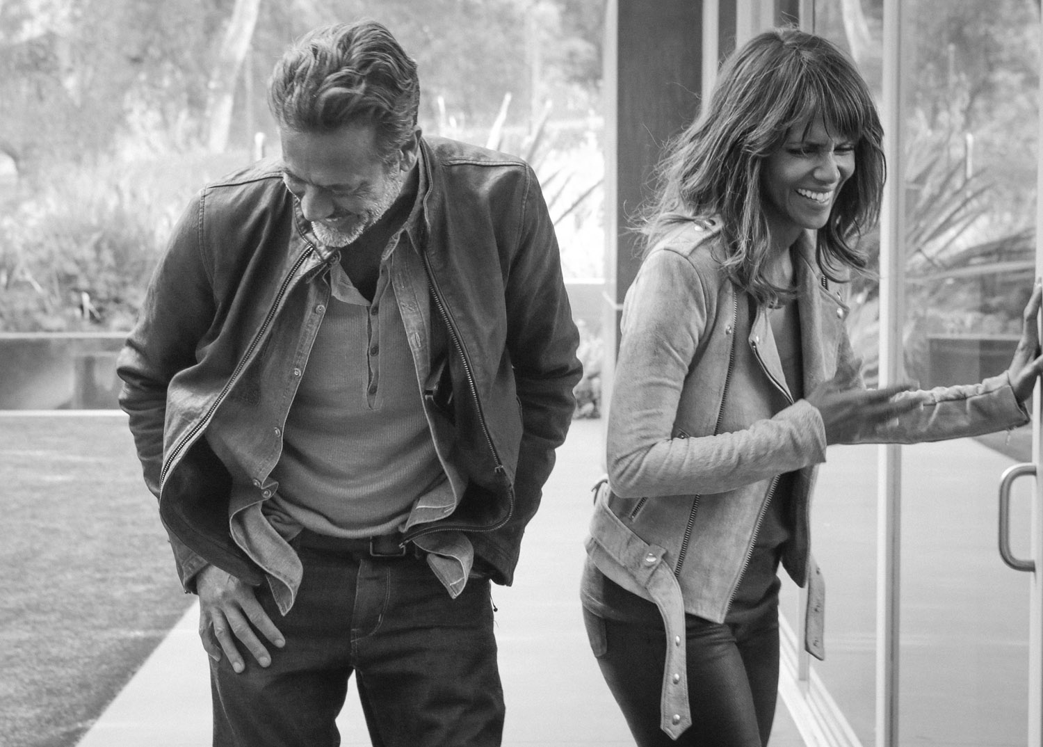 Halle Berry and Jeffrey Dean Morgan enjoy a moment on set.