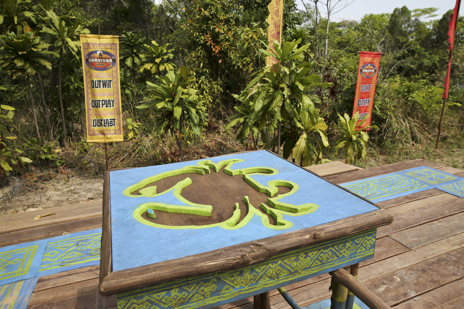 The castaways will work in pairs to complete this Immunity Challenge puzzle.