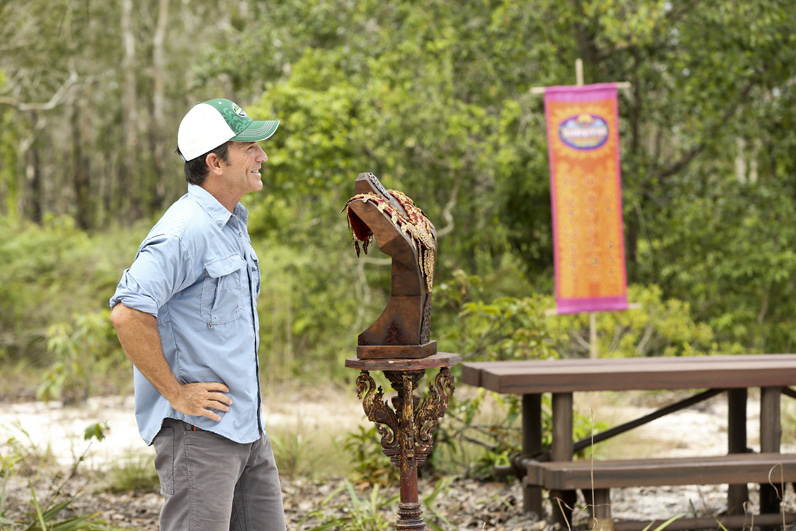 Jeff Probst shows castaways the Immunity necklace