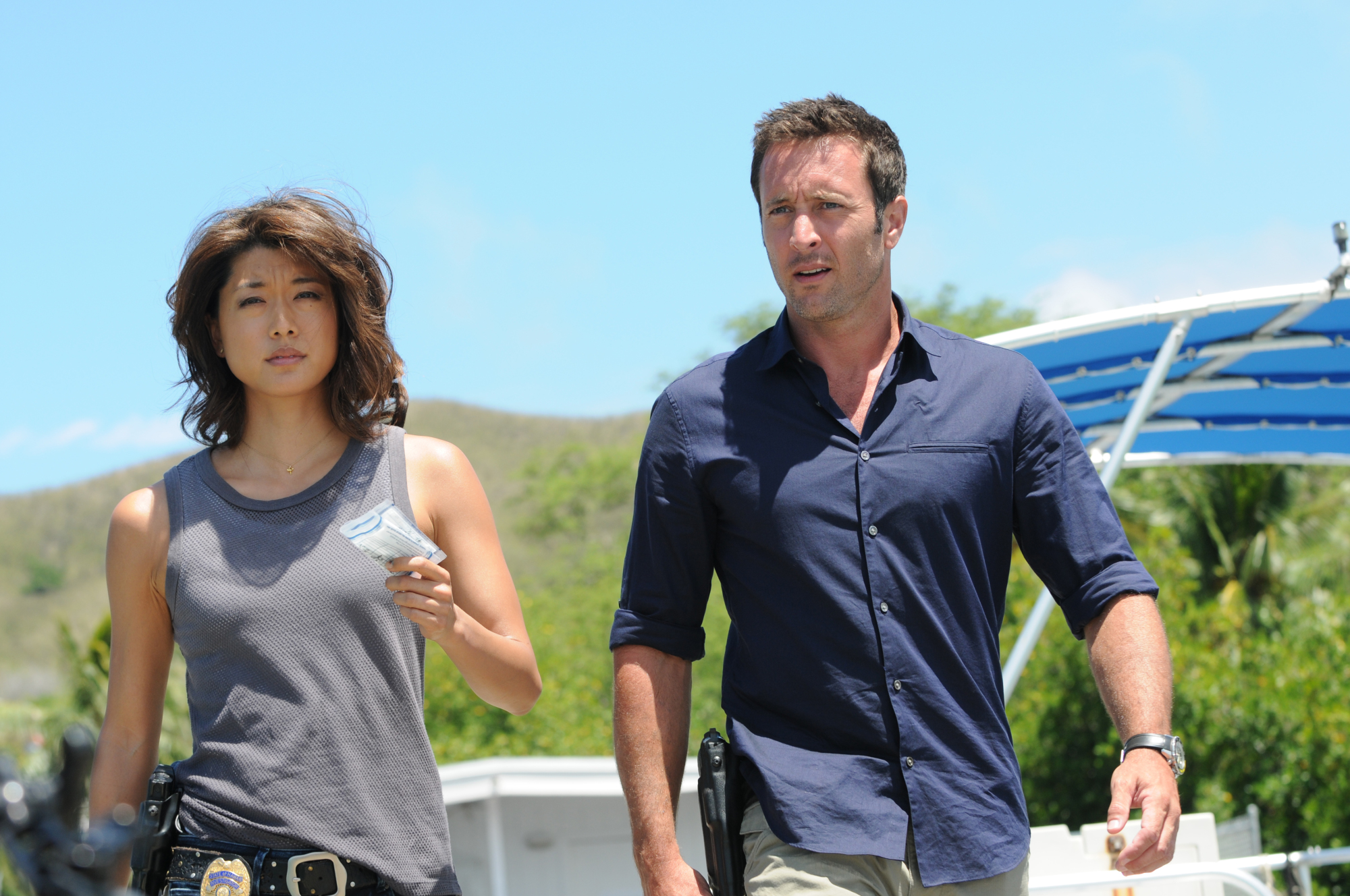 Grace Park as Kono Kalakaua and Alex O'Loughlin as Steve McGarrett