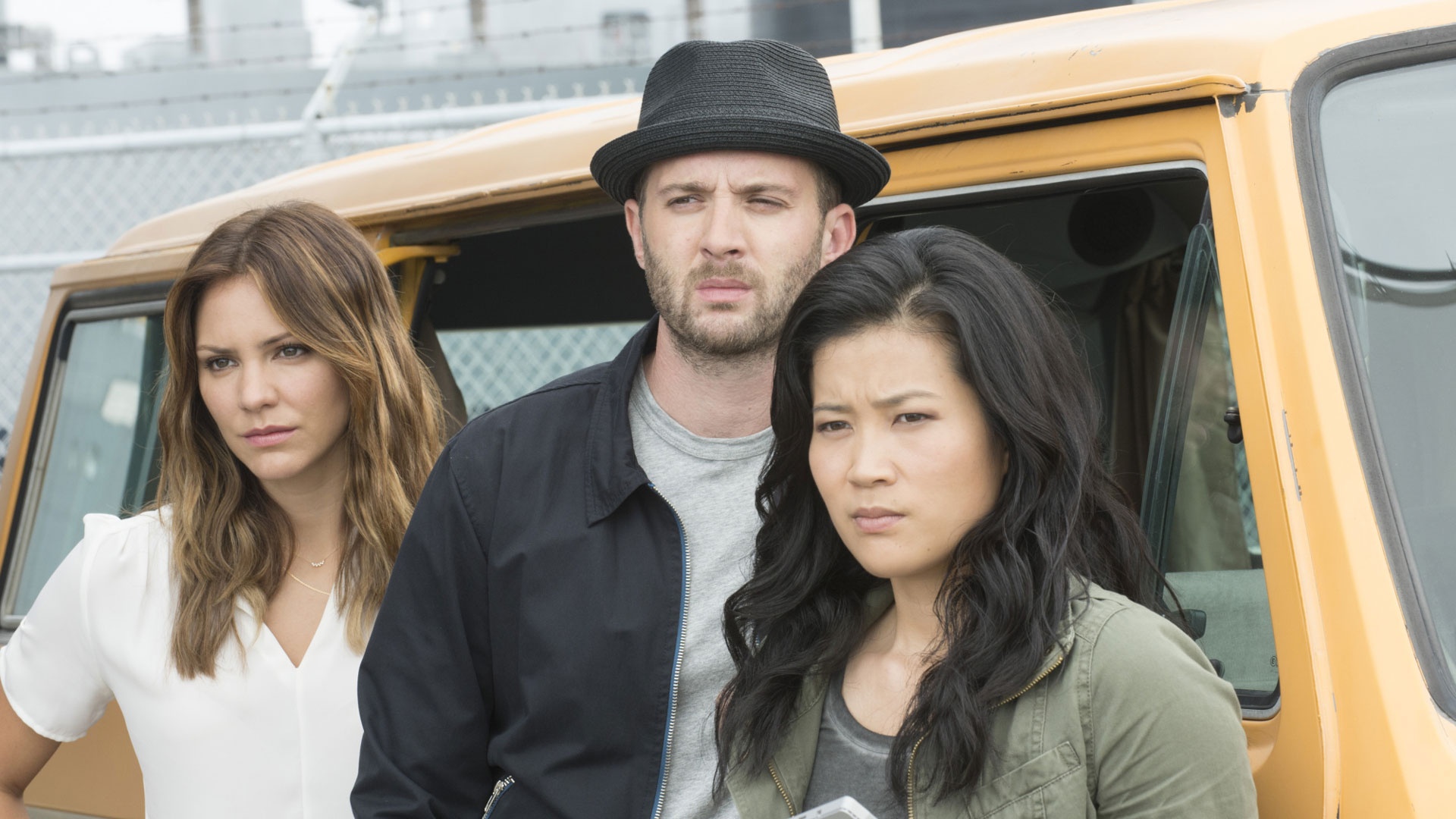 Katharine McPhee as Paige Dineen, Eddie Kaye Thomas as Toby Curtis, and Jadyn Wong as Happy Quinn
