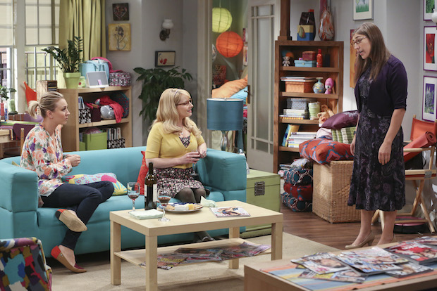 Amy asks Penny and Bernadette for their advice