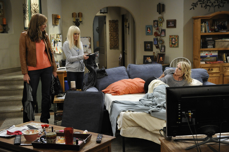 Bonnie and Christy encourage Jodi to look for a job