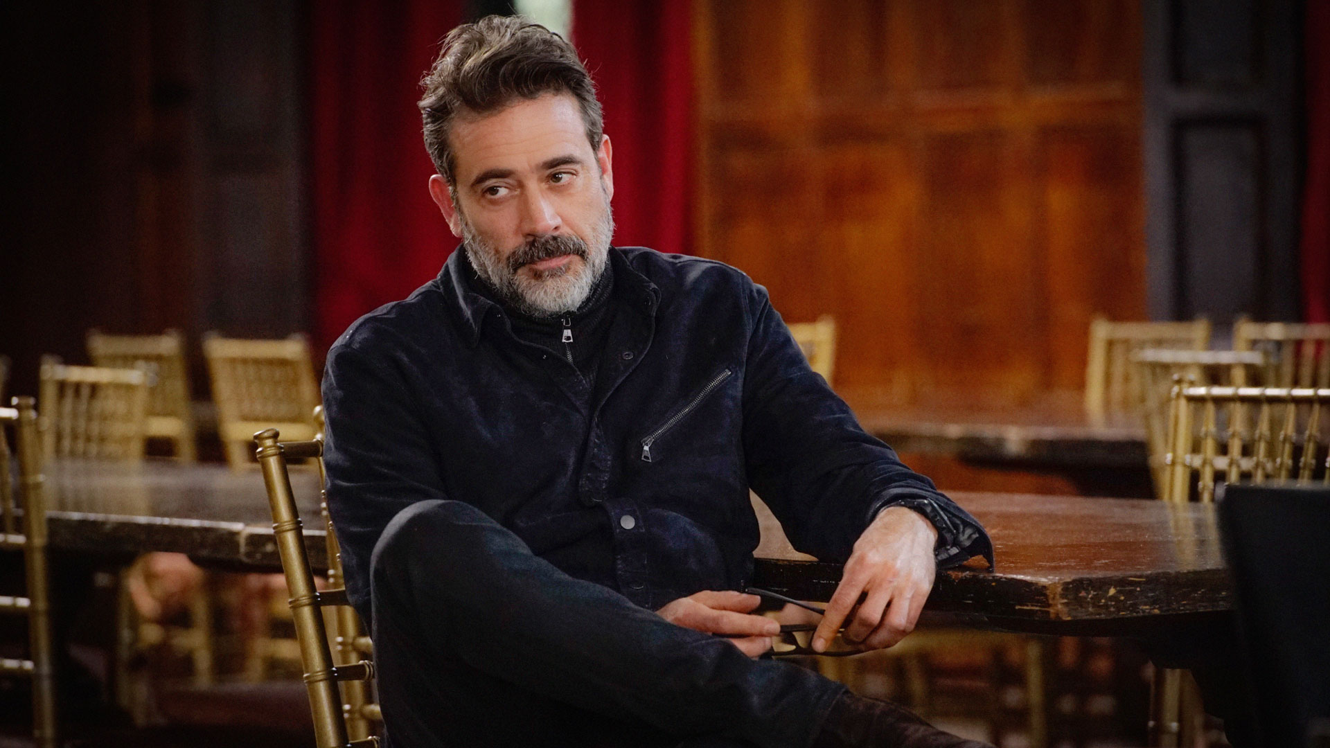 Jeffrey Dean Morgan as Jason Crouse
