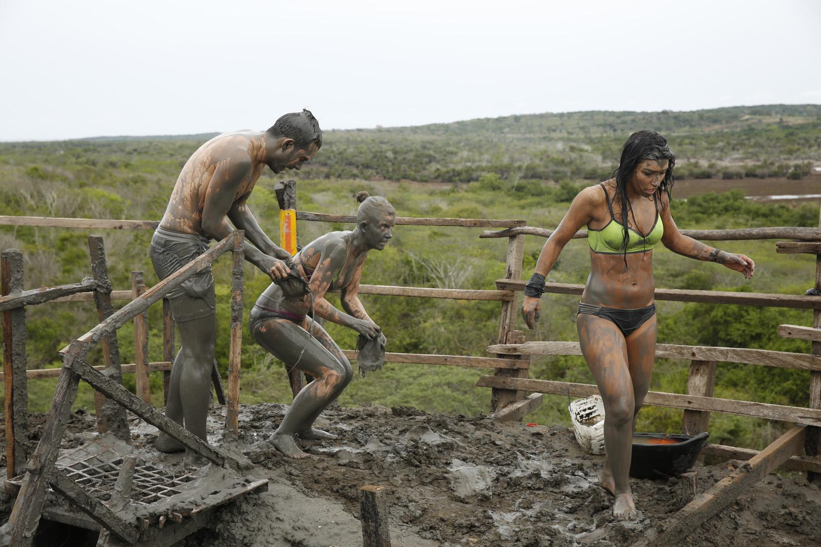 Korey, Ashley, and Dana climb up the Totumo Mud Volcano.