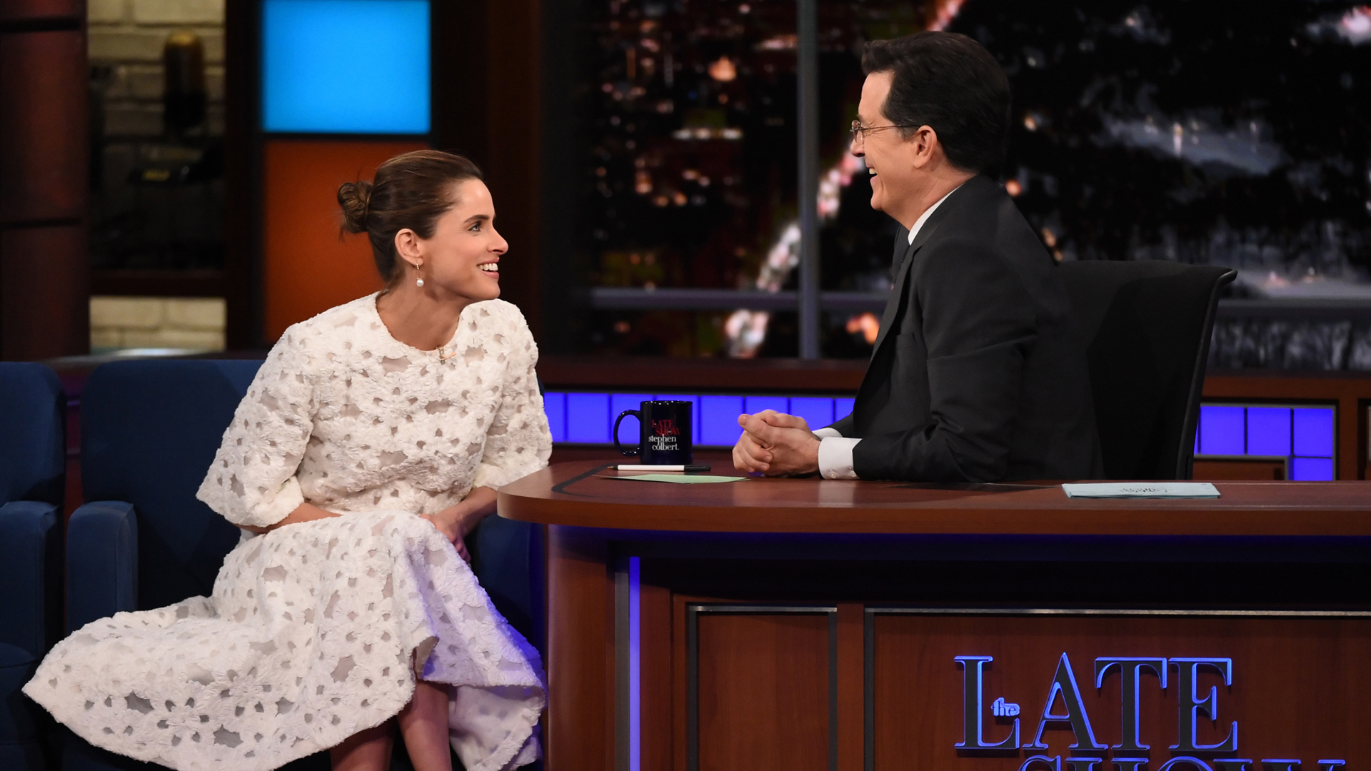 Amanda Peet and Stephen Colbert