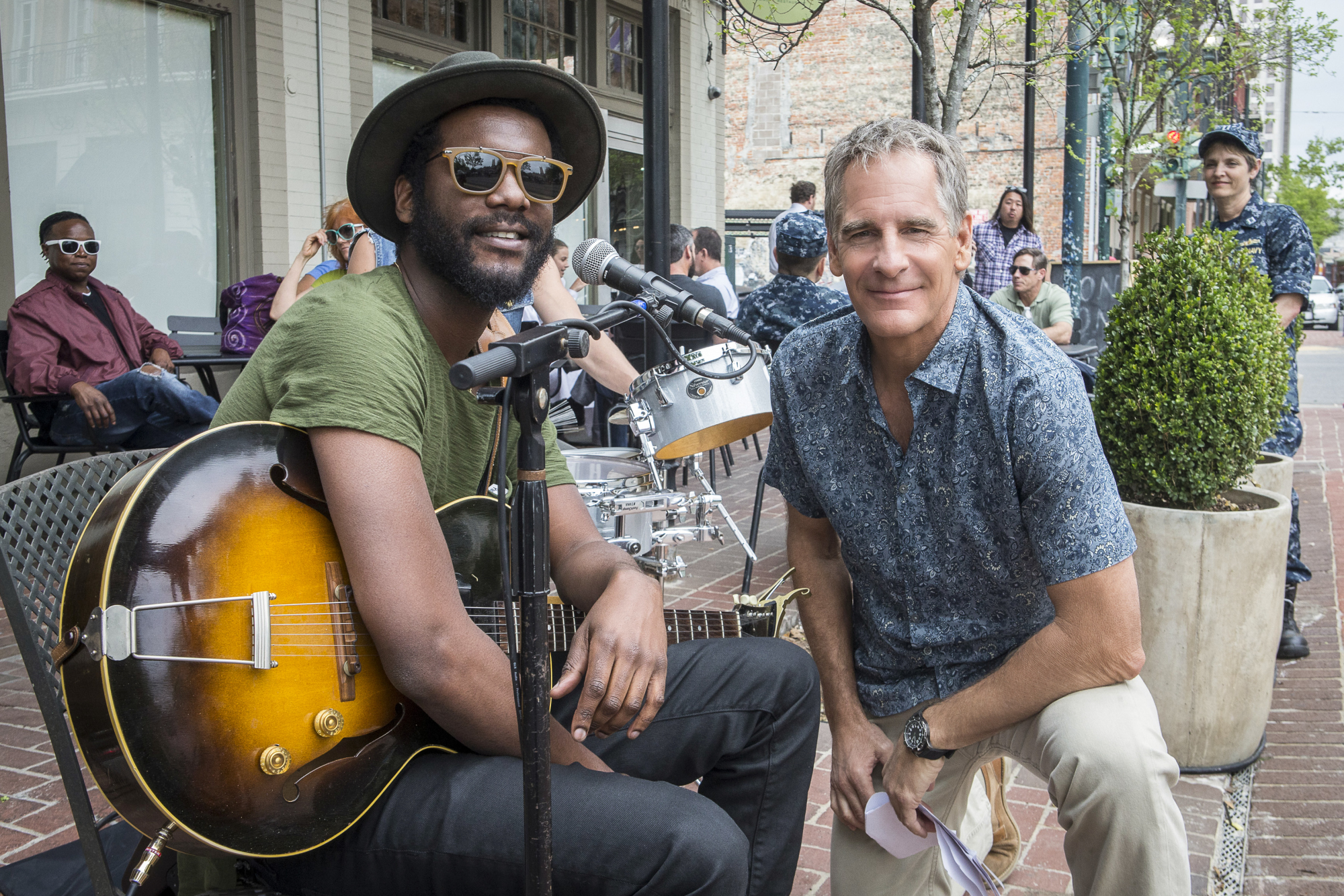 Gary Clark Jr. poses with Scott Bakula.