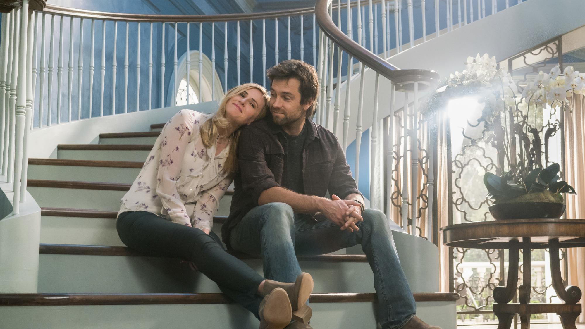 Tessa and Garrett bond on the steps of the Hawthorne steps.