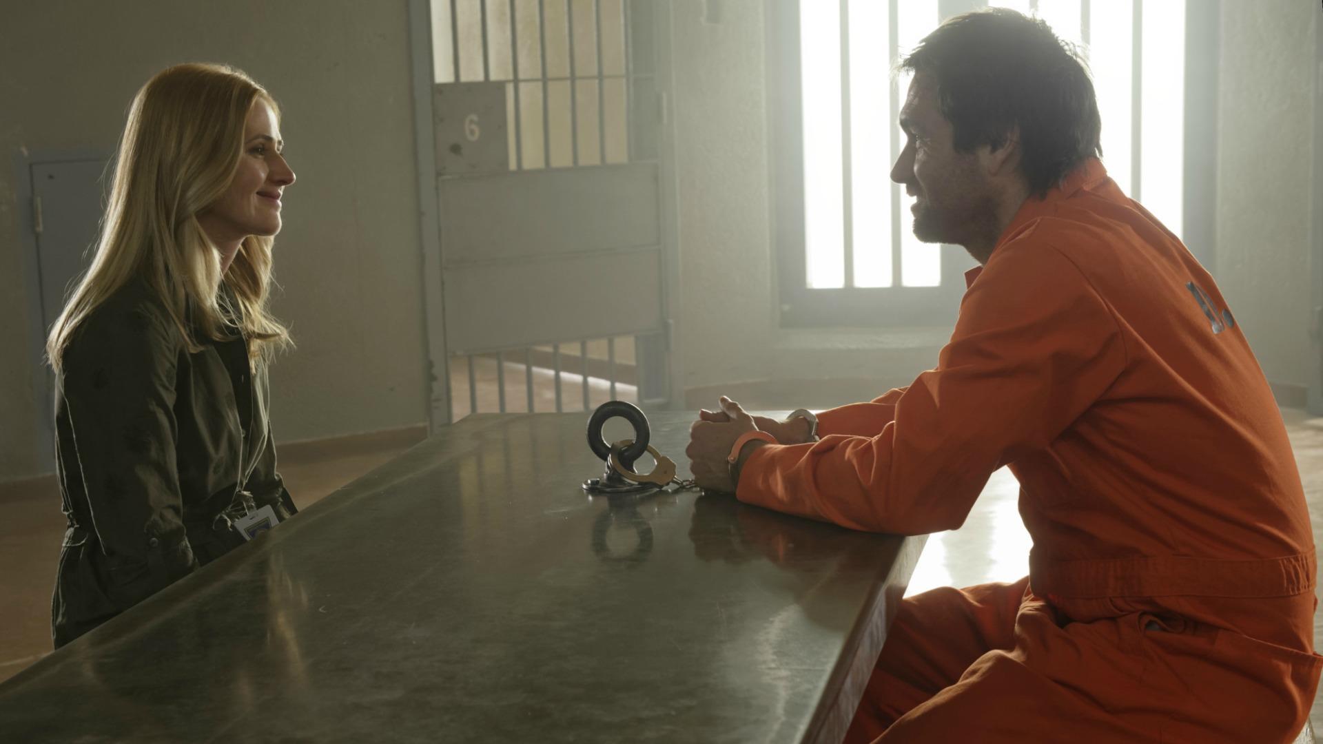 Tessa visits Garrett in prison.