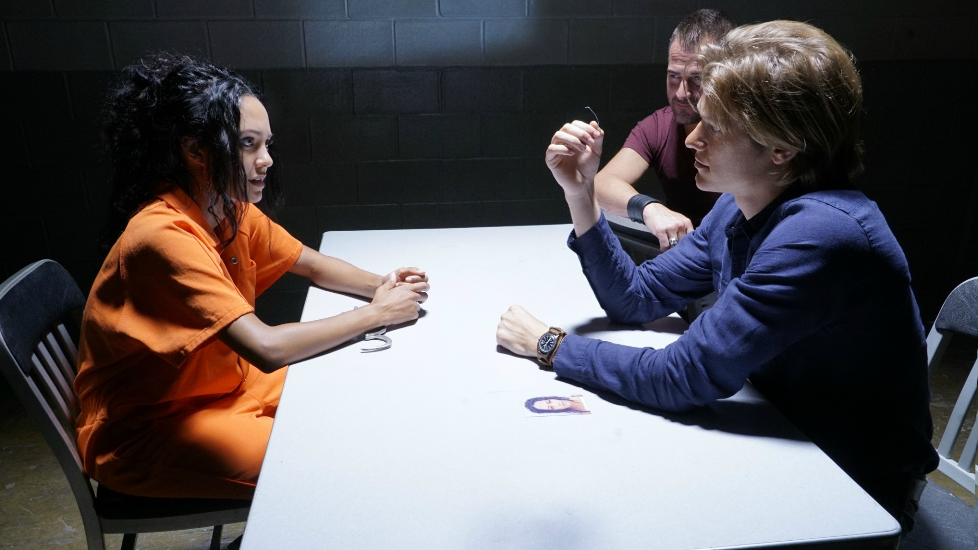 MacGyver meets Riley in prison.