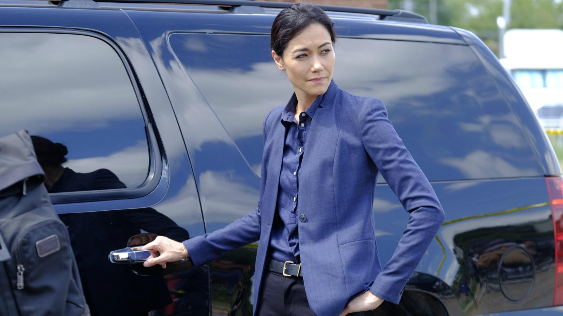 Patricia Thornton enters a vehicle.