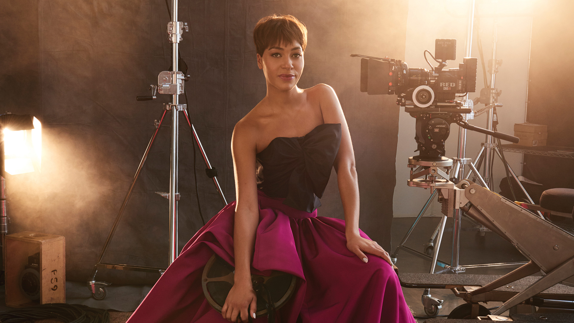 Cush Jumbo is picture perfect