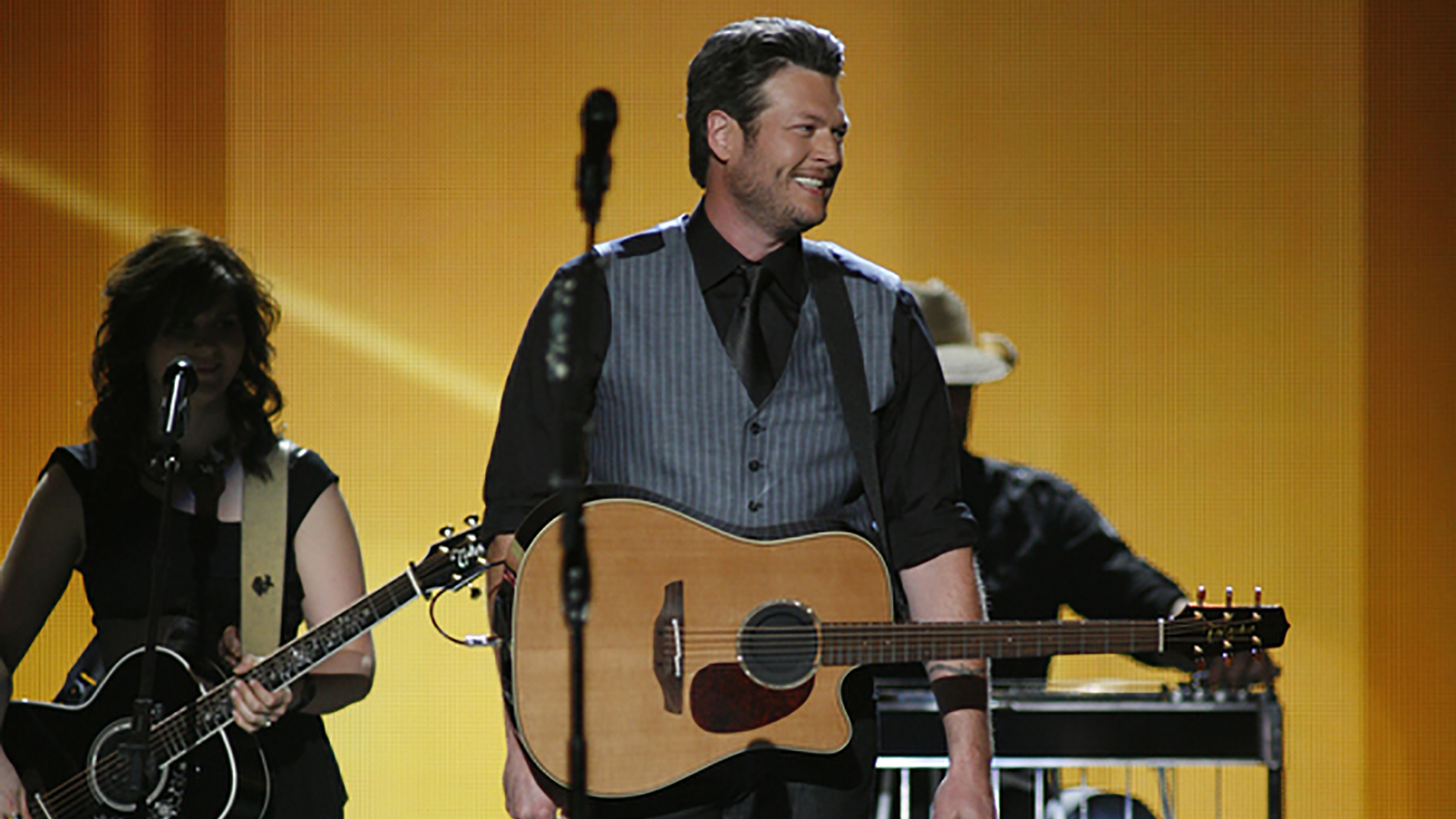 33. Blake Shelton performs