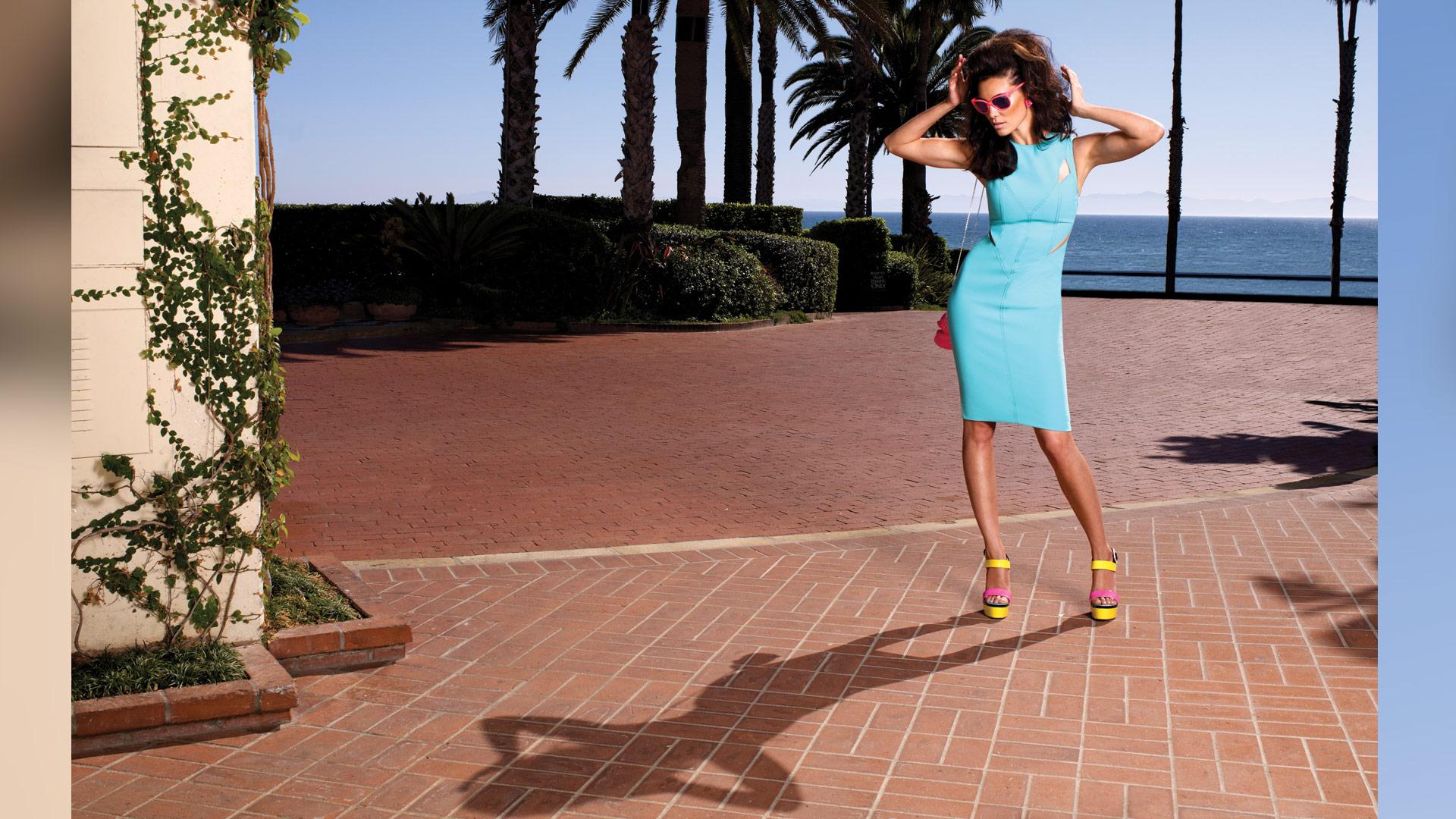 Daniela Ruah shows how to be retro chic