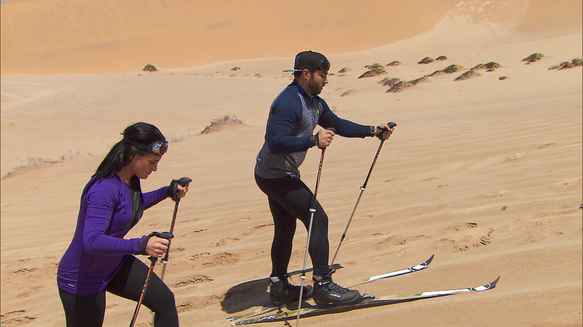 Sand dune skiing