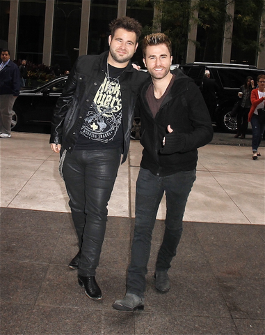6. Zach and Cody Swon of The Swon Brothers team up onstage.