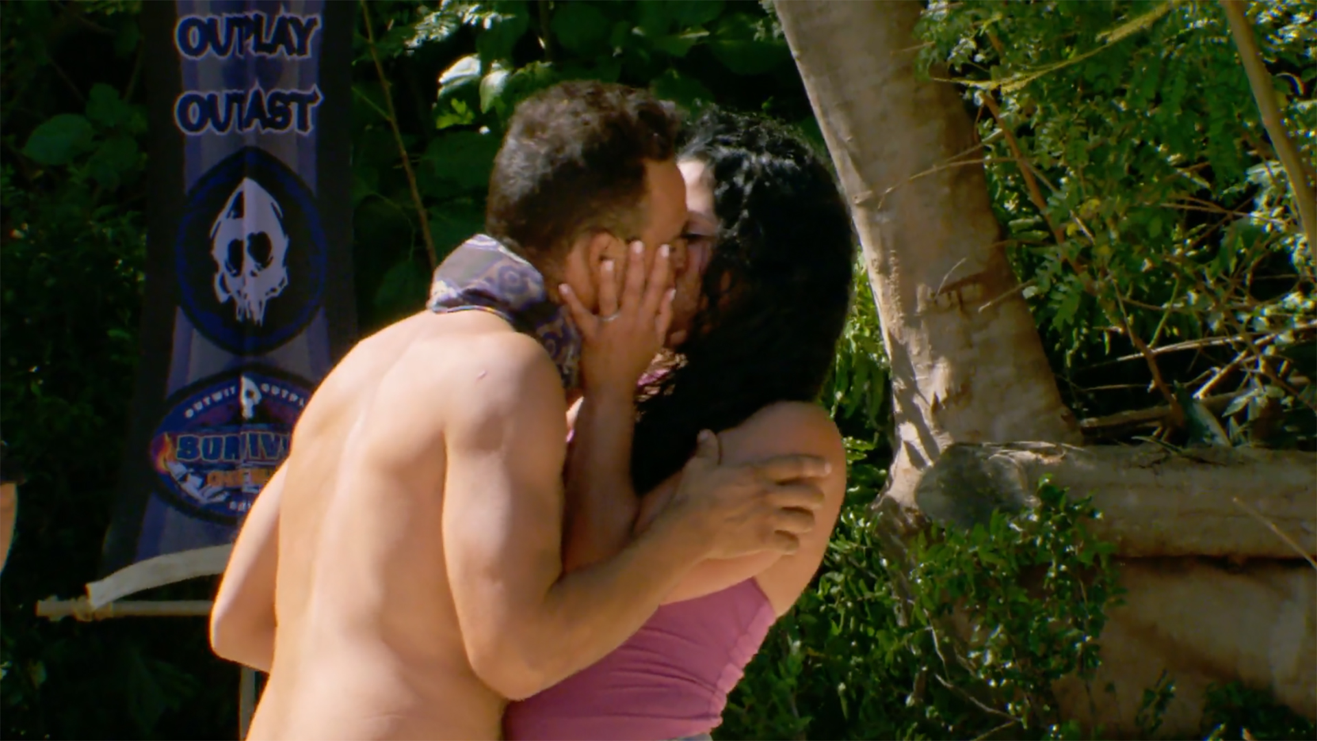Season 36: Domenick Abbate shares a smooch with his wife.