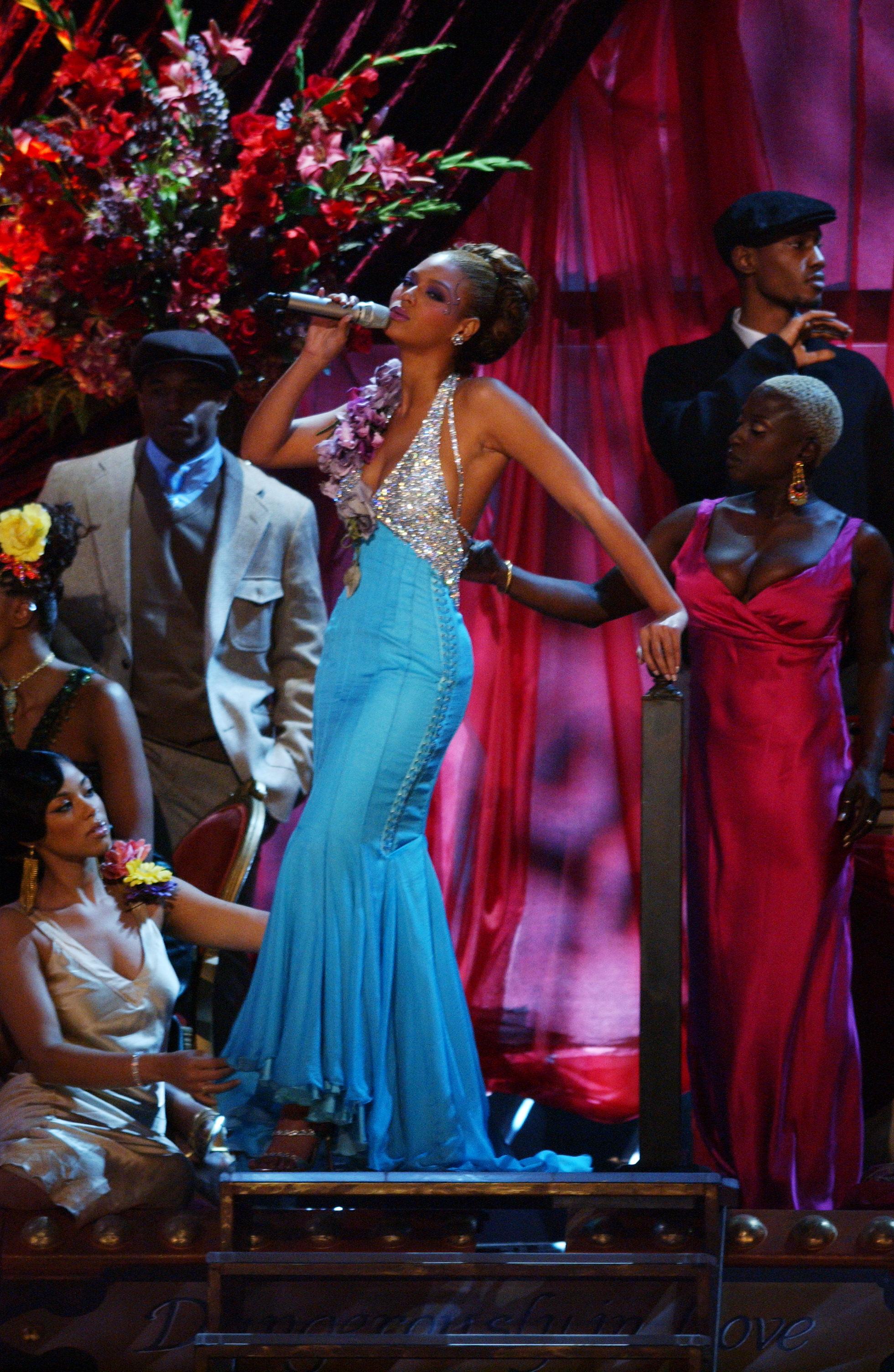 2004: Beyonce Rocks the Mic